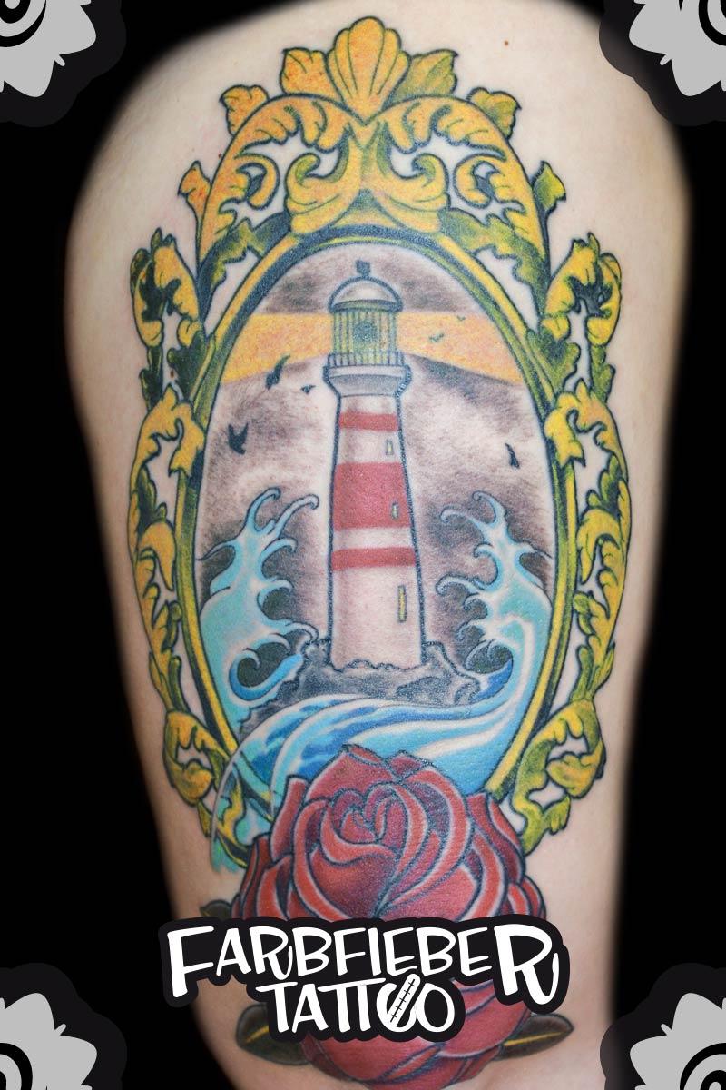roland-farbfieber-tattoo-oldschool-leuchtturm-rose